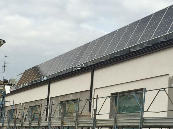 Pannelli-per-tetto-condominio-carpi
